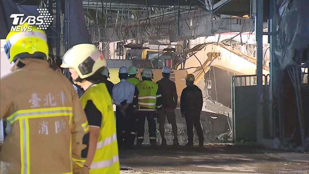 (圖/TVBS資料畫面) 京華城工地坍塌工人遭活埋亡 兒認屍腿軟崩潰痛哭