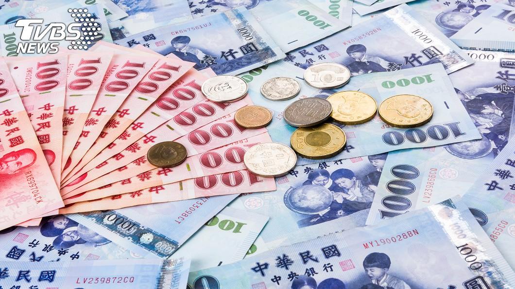 示意圖/TVBS 快訊/上市櫃年薪揭露 聯詠、鴻準5家員工逾200萬