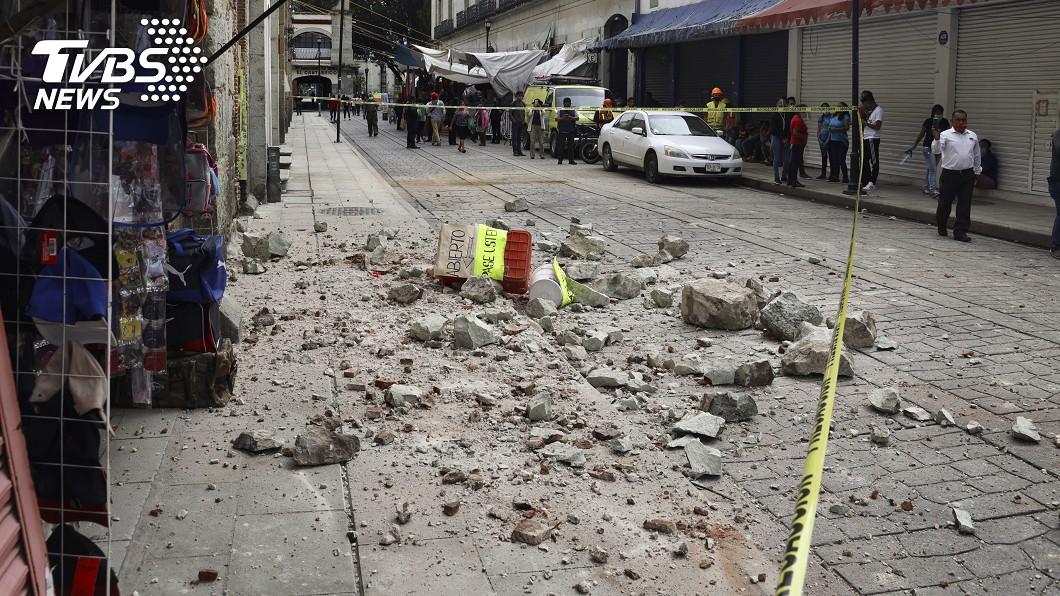 墨西哥南部太平洋岸今天發生規模7.4強震。(圖/達志影像美聯社) 墨西哥7.4強震5死 震央附近交通中斷傷亡恐增