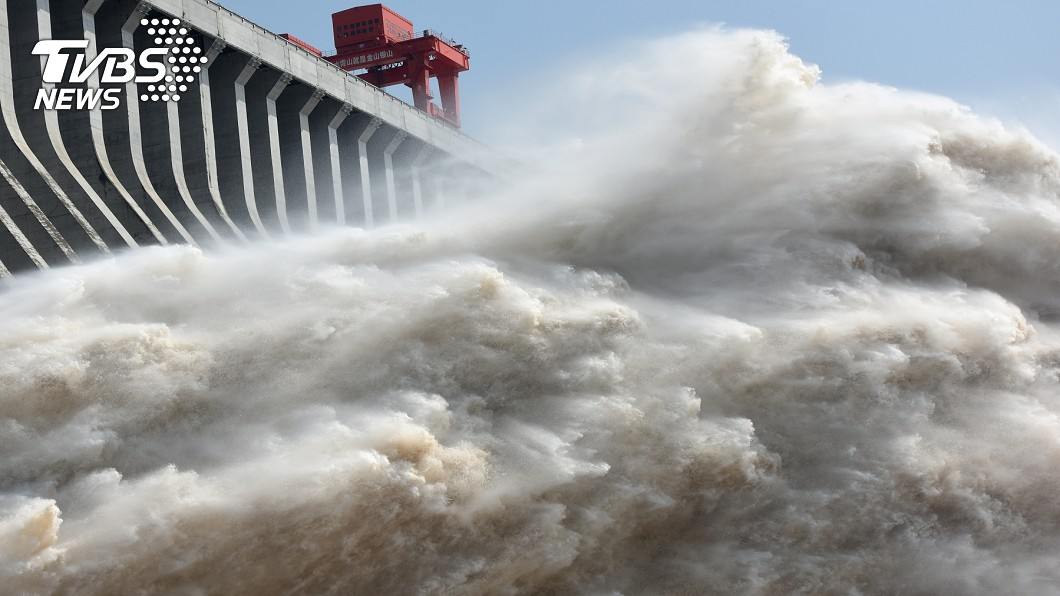 長江三峽大壩。(圖/達志影像路透社) 三峽大壩若潰堤 陸40%GDP全消失、無兵可打仗
