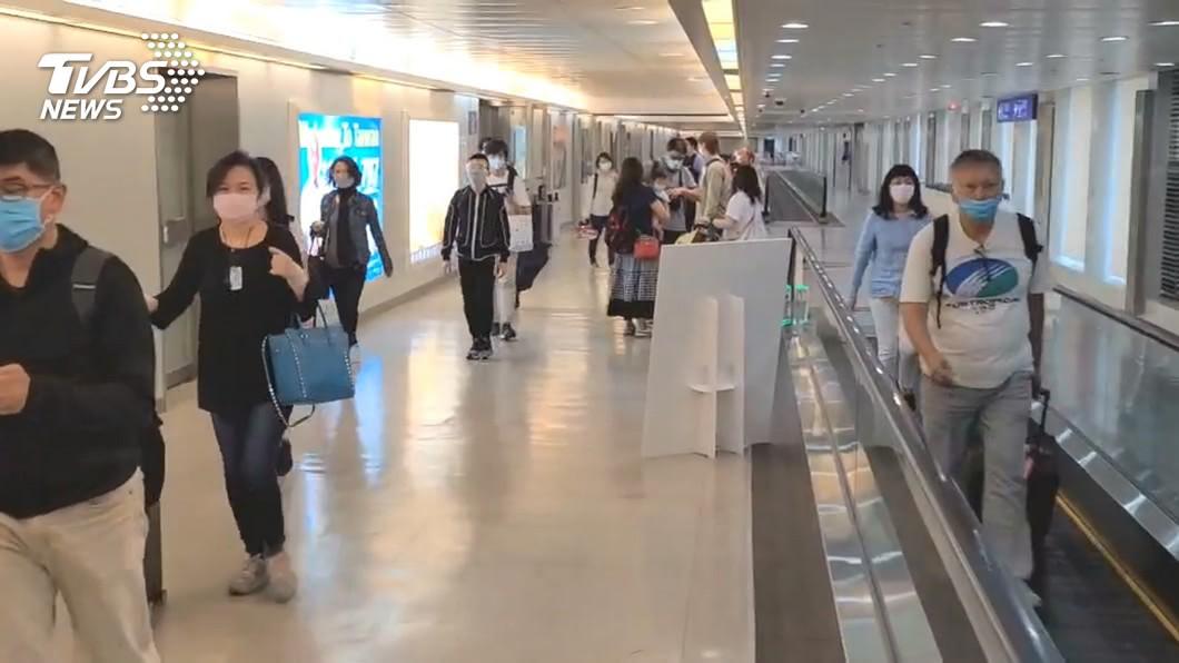 明(2)日將有新一波境外生入境。(圖/TVBS) 82境外生明入境 教育部:學生直接送往防疫旅館