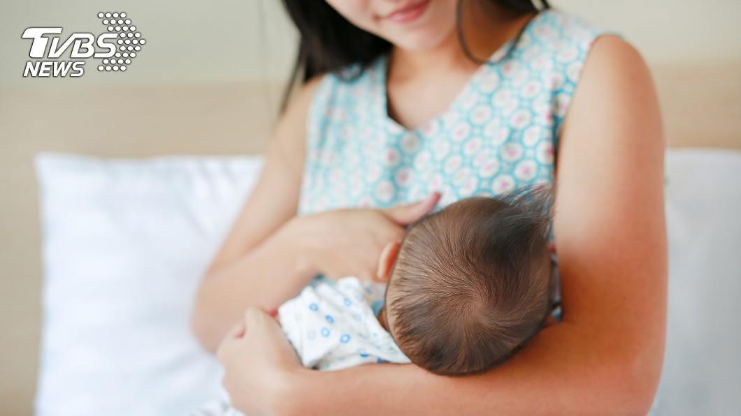 對於許多不孕的女性來說,會希望透過國外代理孕母制度能夠一圓有子女的夢想。(示意圖/TVBS) 女想生混血娃找弟捐精 誕下可愛雙胞胎姊弟卻撕破臉