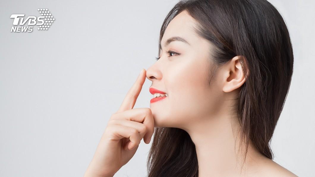 現在有不少愛美民眾會去動隆鼻整形手術。(示意圖/TVBS) 妹子隆鼻想借用男友肋骨 顧問驚:工具人升級成材料人