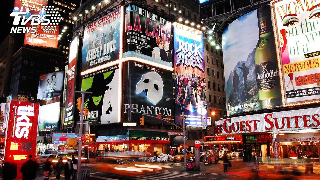 百老匯因疫情影響今年將不再安排演出。(示意圖/TVBS) 全美疫情惡化難復業 紐約百老匯2021年再見