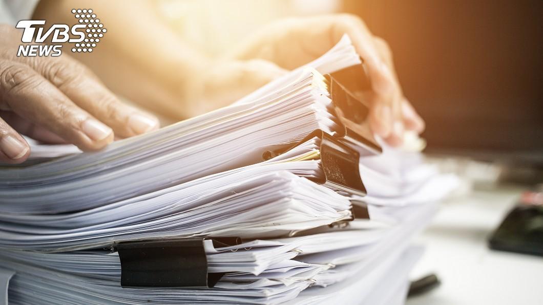 無紙化後每年可省兩千多萬張紙。(示意圖/TVBS) 戶政服務7月起「無紙化」 預估年省2235萬張紙