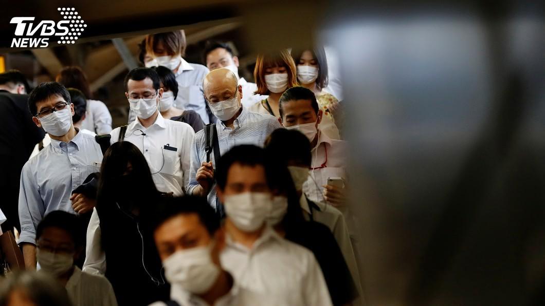 日本全境這幾天單日新增逾百例。(圖/達志影像路透社) 日本政府鬆口 疫情最糟可能再公布緊急事態宣言