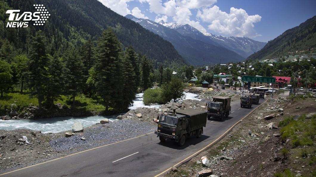 印度陸軍已增派3個師及幾個前線坦克中隊進駐拉達克。(圖/達志影像美聯社) 中國巴基斯坦增兵拉達克 印度增派3個師因應