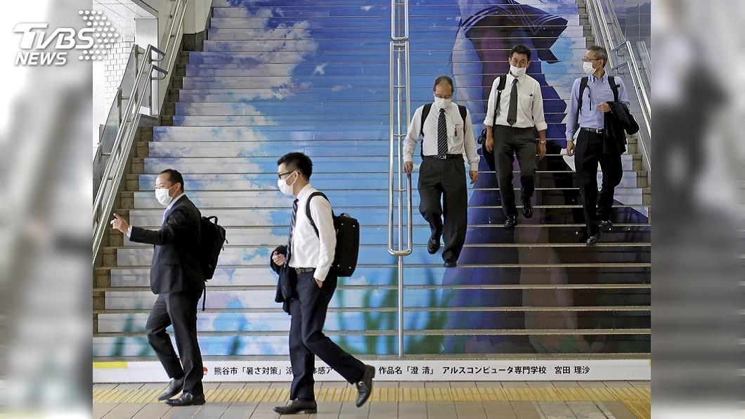 東京單日新增逾百例確診病例。(圖/達志影像美聯社) 日本東京單日新增逾百例 緊急事態解除後新高