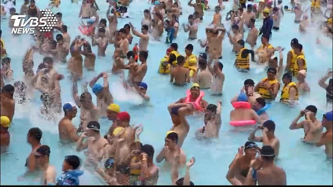 (示意圖,與本事件人物無關。圖/TVBS資料畫面) 剛放暑假「免費玩樂園」預算快用完?恐提前取消