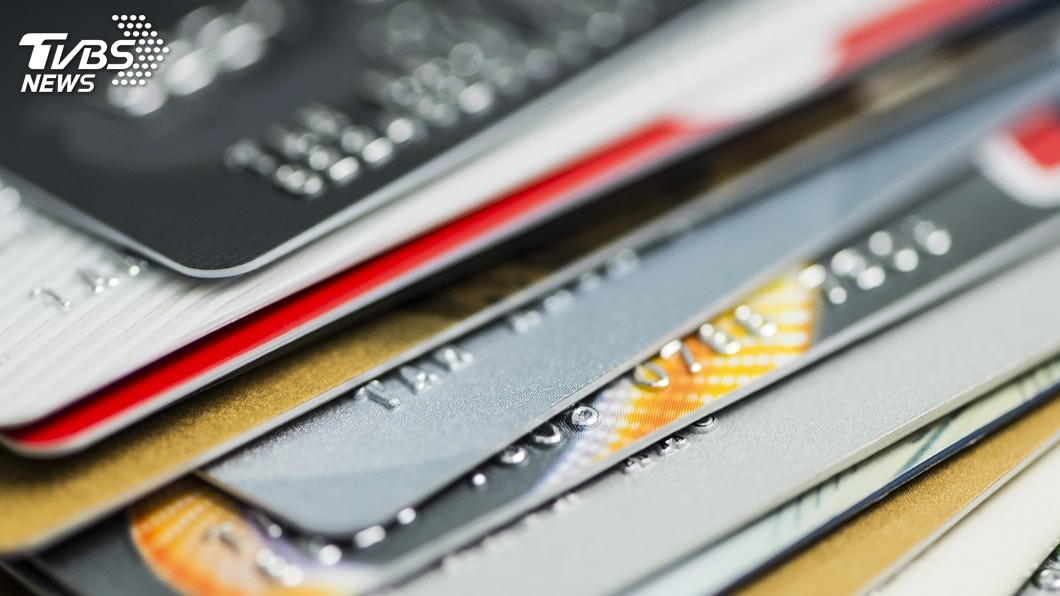 銀行抓準熱潮,推出各種旅遊刷卡活動。(示意圖/shutterstock) 暑假來了!銀行拚振興商機 祭信用卡國旅優惠