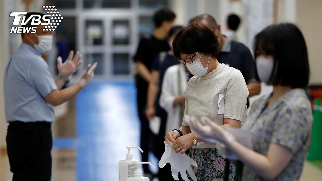 日本新冠肺炎單日確診新增274例。(示意圖/達志影像路透社) 日本武漢肺炎新增274確診 緊急事態解除後最多