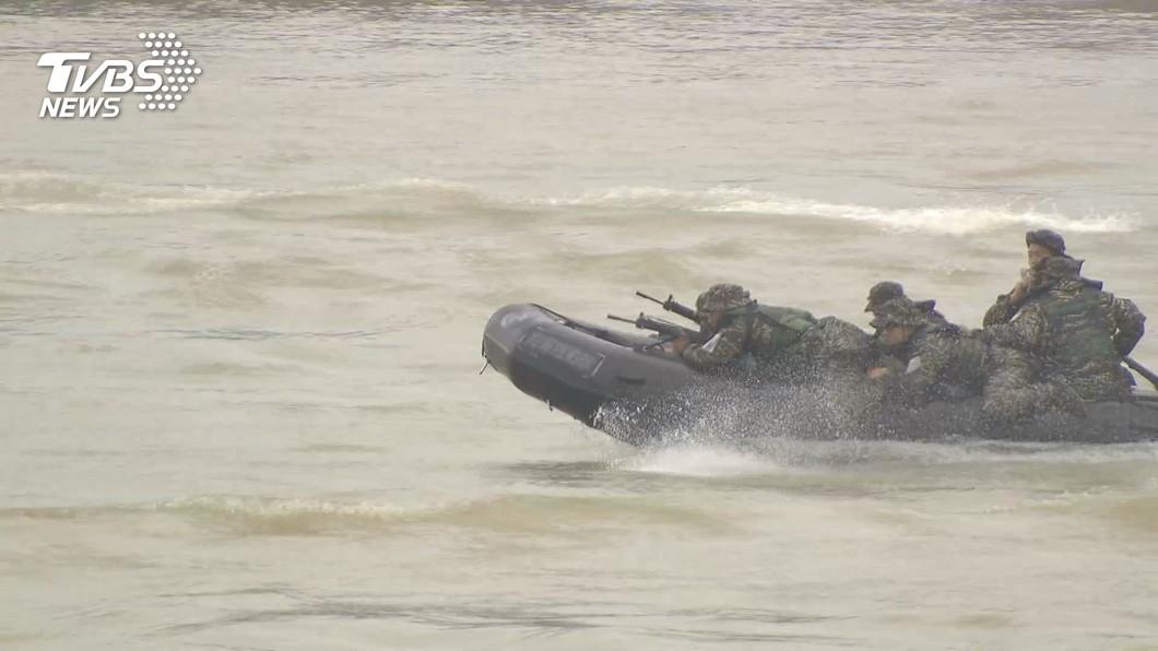 海軍陸戰隊3日預演意外。(示意圖/TVBS) 昔登陸艇進水釀22死 失蹤大兵七孔流血…深夜託夢孕妻