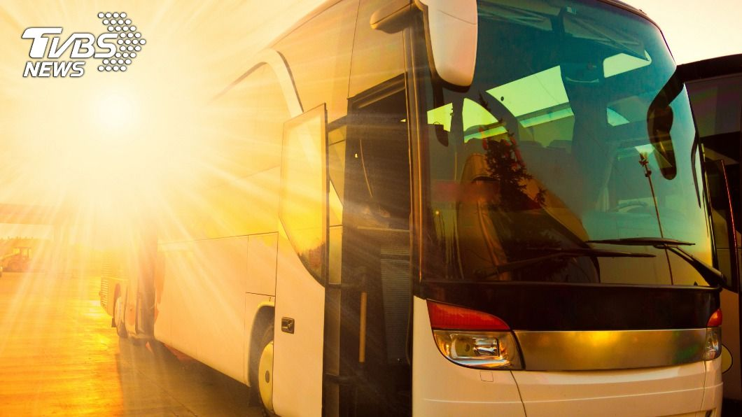 示意圖/TVBS 拒讓不戴口罩乘客上車 法司機遭爆打腦死