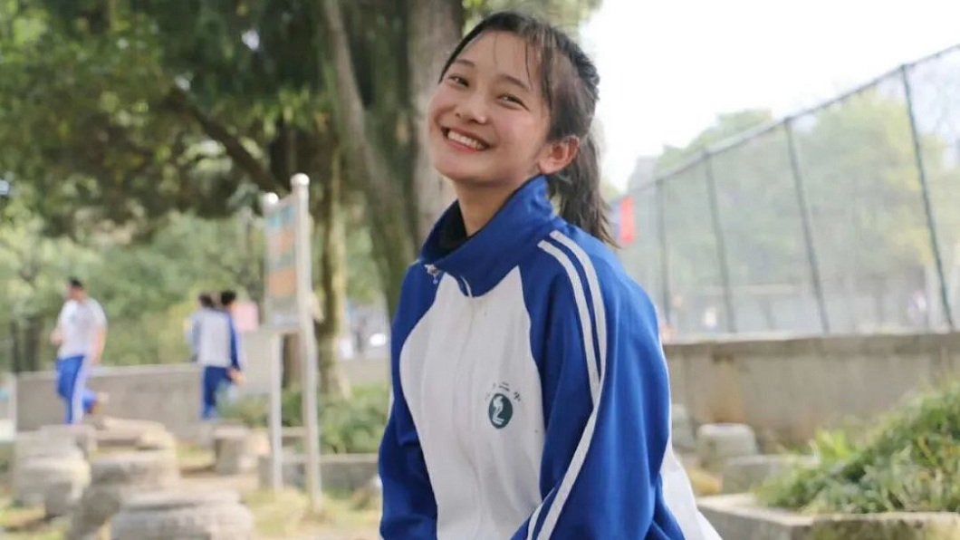 湖南1名18歲少女去年被診斷出淋巴瘤,今年5月不幸過世。(圖/翻攝自澎湃新聞) 少女展無私大愛 遺囑「把我身體捐了」母含淚送別