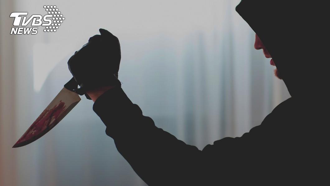 示意圖/TVBS 藏刀上巴士!男斬首乘客「挖眼生吞」 竟獲判無罪