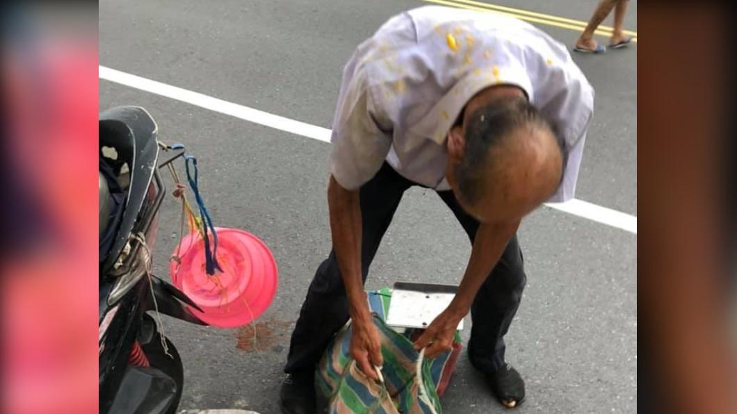 台南老翁菜市場賣芒果遭砸 警方追查偵辦