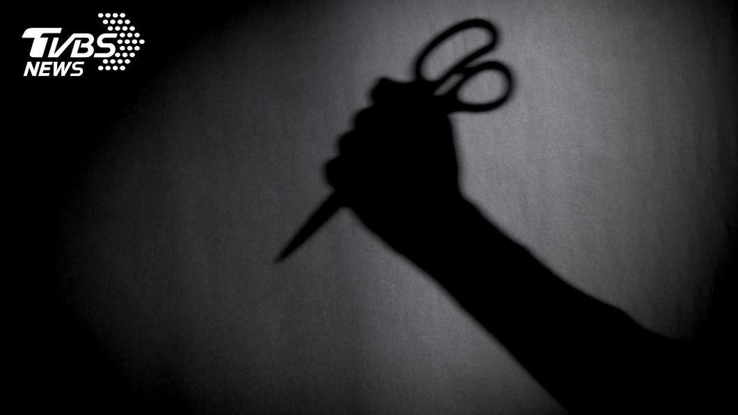 兇嫌持剪刀攻擊。(示意圖/TVBS) 養老院驚傳命案 8旬翁持剪刀「無差別殺人」釀3死4傷
