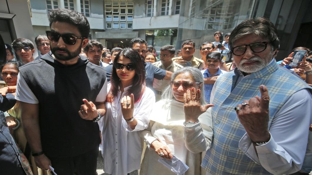 寶萊塢巨星確診! 「印度發哥」一家4口染疫