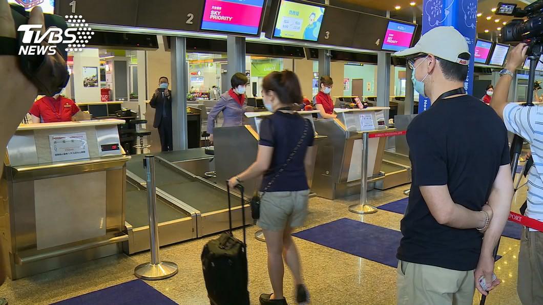 桃園國際機場公司日前推出「機場一日遊」體驗活動。(圖/TVBS) 桃機一日遊體驗「微出國」 再增1680名額明開搶