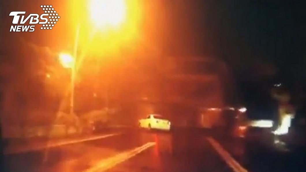 駕贓車拒盤查害少年爆頭亡 開槍員警被判刑、市府賠百萬