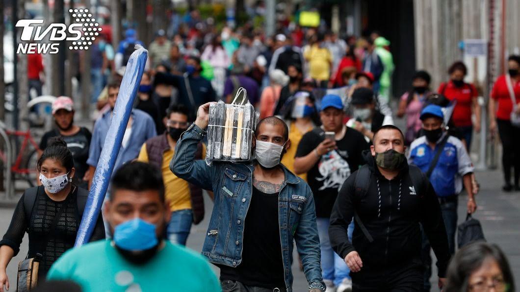 拉丁美洲2019冠狀病毒疾病疫情仍不見緩和。(圖/達志影像美聯社) 拉丁美洲疫情未緩 墨總統悼逾3萬9千人病亡