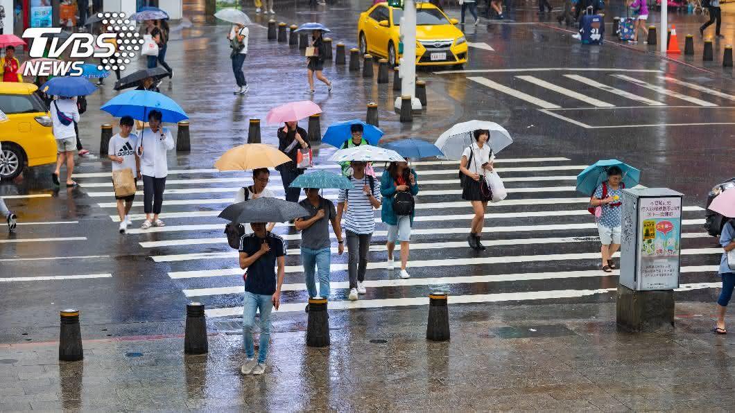 (示意圖/shutterstock達志影像) 北部低溫探18度!3縣市豪雨特報 全台「雨停時間」曝
