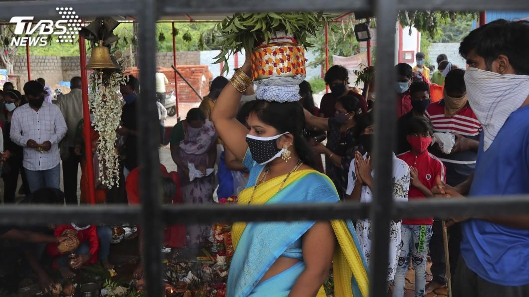 分析顯示,印度可能有15%人口曾感染武漢肺炎且擁有抗體。(圖/達志影像美聯社) 印度估15%人口曾罹武漢肺炎 首都近1/4染疫