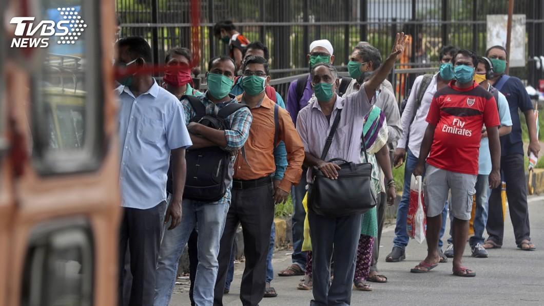 印度估15%人口罹患武漢肺炎,首都恐1/4民眾染疫。(圖/達志影像美聯社) 全球確診數破1500萬 武漢肺炎疫情最新情報