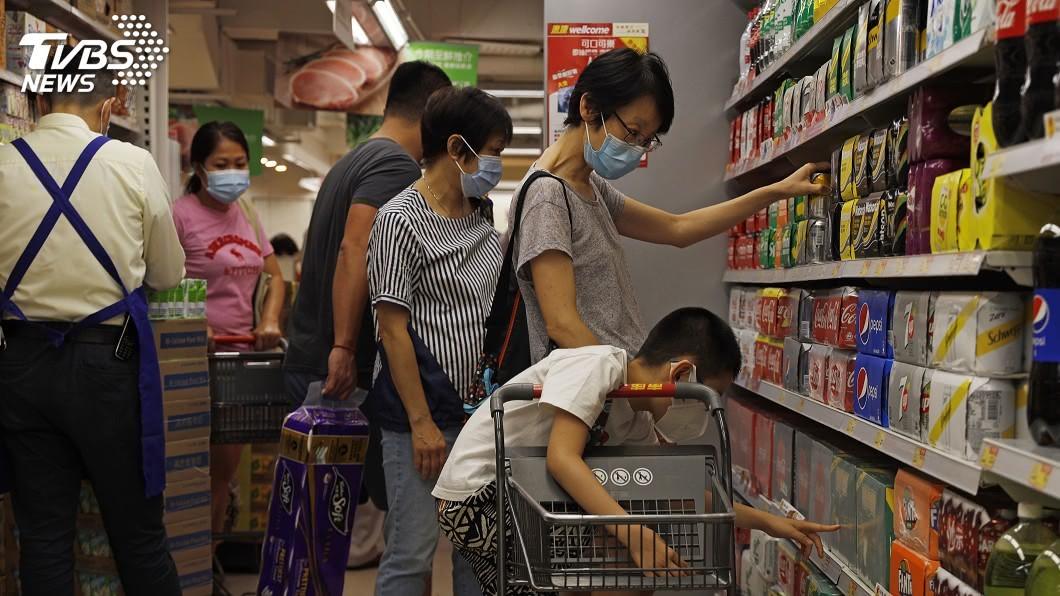 香港新增118例確診,再創單日新高。(圖/達志影像美聯社) 香港單日新增確診再創新高 全球疫情最新情報