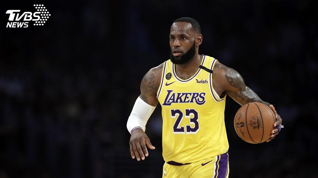 洛杉磯湖人當家球星詹姆斯。(圖/達志影像美聯社) 詹姆斯只打半場就收工 NBA湖人熱身賽遭逆轉