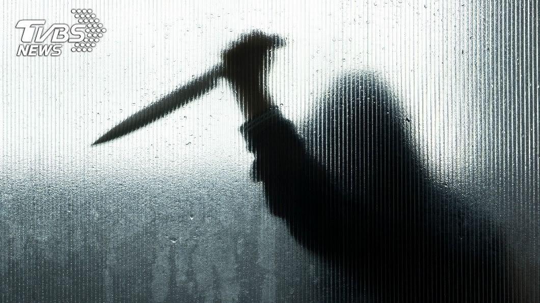 不滿分手痛下殺機。(示意圖/shutterstock 達志影像) 不滿被分手!小王「活人分屍」斷人妻頭身 家屬見屍崩潰