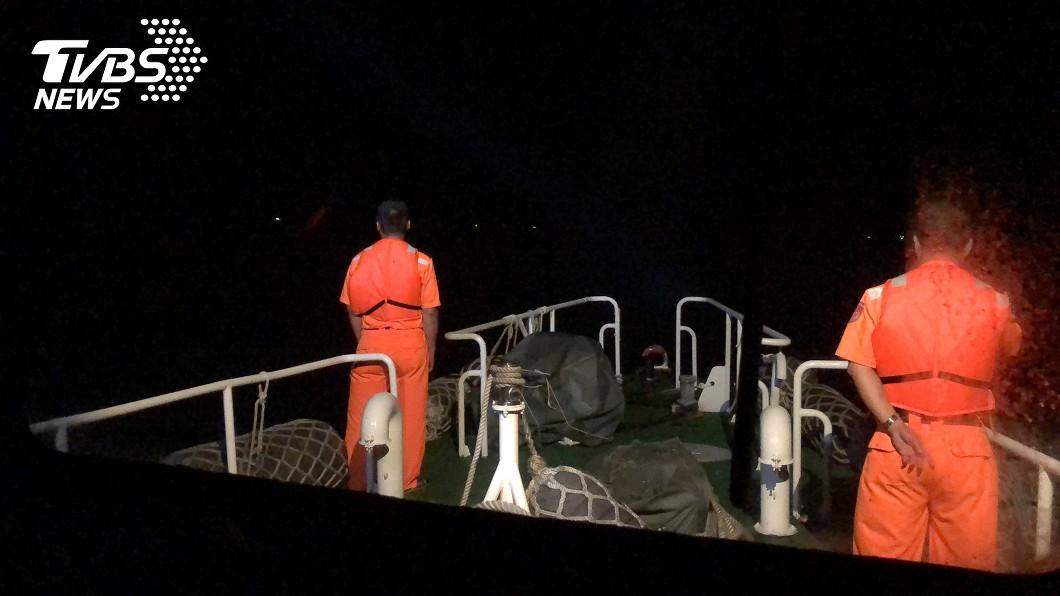 澎湖七美外海驚傳貨輪翻覆意外。(圖/TVBS) 澎湖七美外海爆翻覆意外!9人落海尋獲4遺體