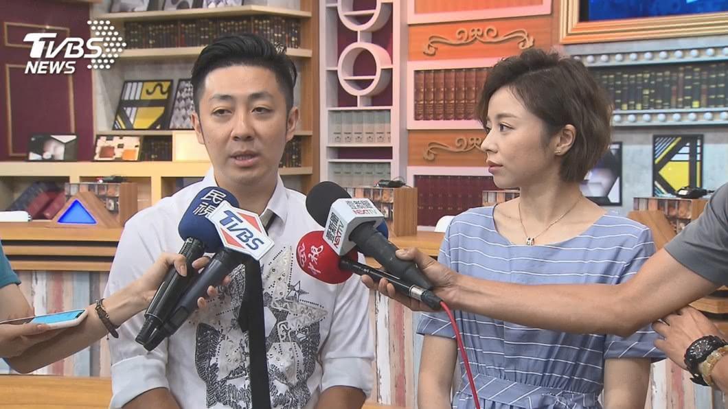 王瞳和艾成28日登記結婚,女方父親竟稱不知情。(圖/TVBS) 艾成「綠到發青」終抱美人歸 王瞳父竟冷回不知情
