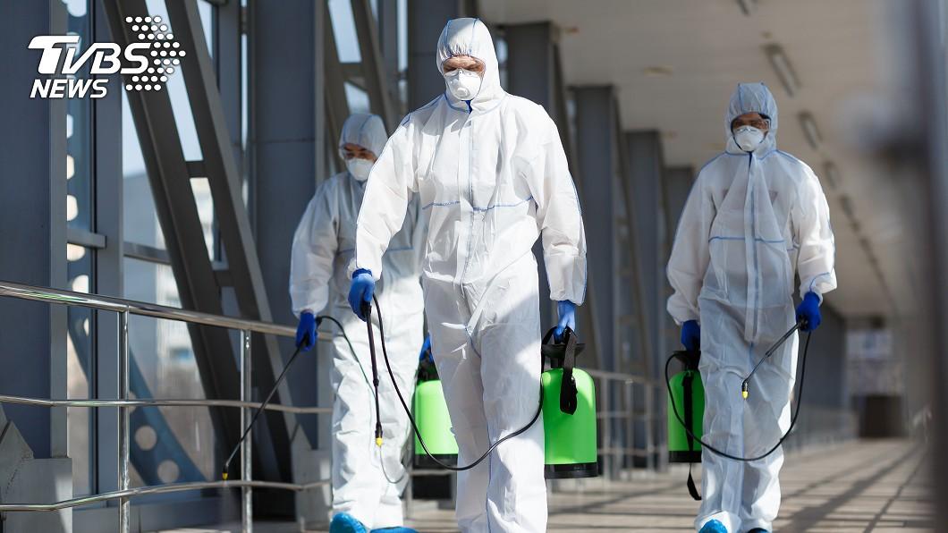 新冠肺炎(COVID-19)疫情延燒。(示意圖/shutterstock達志影像) 先知?30年前報紙預言「2020年全球半數人口染病」
