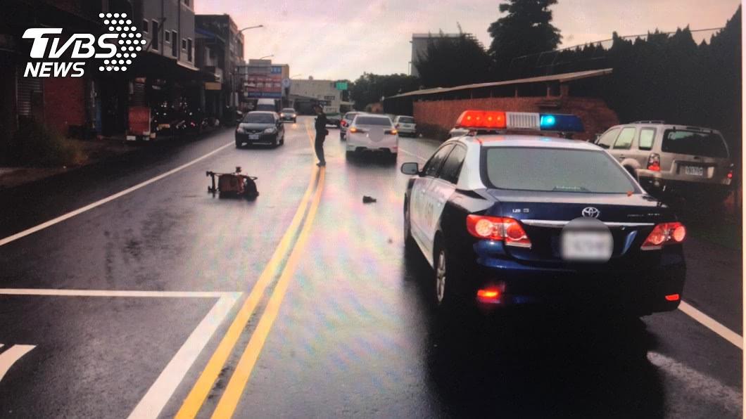 (圖/TVBS) 74歲老婦推孫過馬路遭撞不治 家屬淚批:根本沒煞車