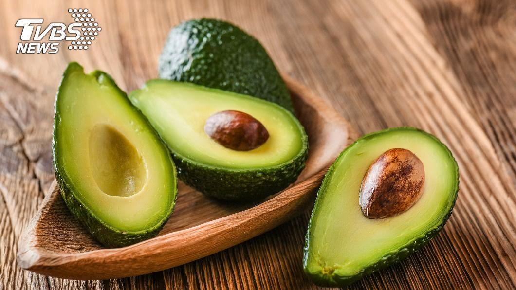 農委會指出酪梨「生吃」更營養。(示意圖/shutterstock 達志影像) 金氏世界紀錄「最健康」水果 新吃法營養素破表