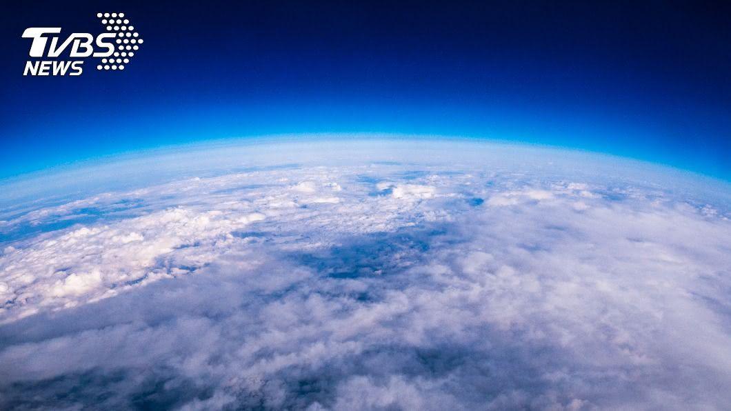 示意圖/TVBS 「大氣層消失5秒」後果驚人 地球無聲、天空失色