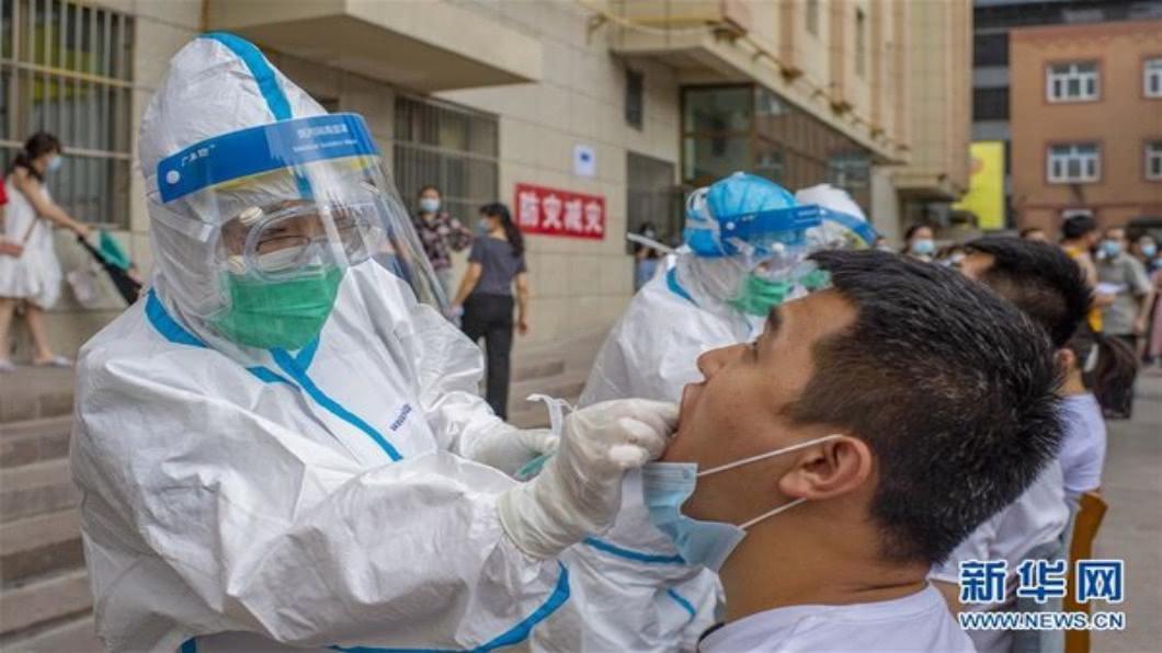 圖/翻攝自 新華網 香港總確診數破3千人 餐廳禁內用惹民怨.急改