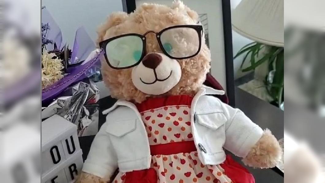 一名加拿大溫哥華女子日前急尋一隻被偷走的泰迪熊。(圖/翻攝自alohaaamara IG) 男星砸14萬幫她找「泰迪熊」 背後原因曝光網淚崩