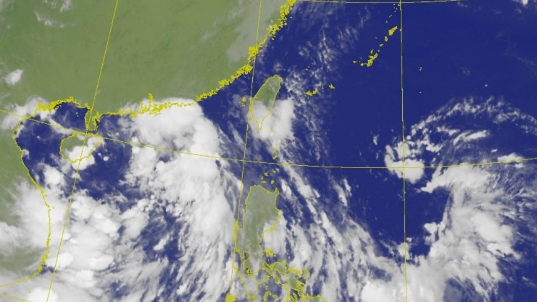水氣由南往北逐漸增多,下週轉為有雨。(圖/中央氣象局) 今起變天!氣象局發布豪雨特報 颱風爆發期曝光