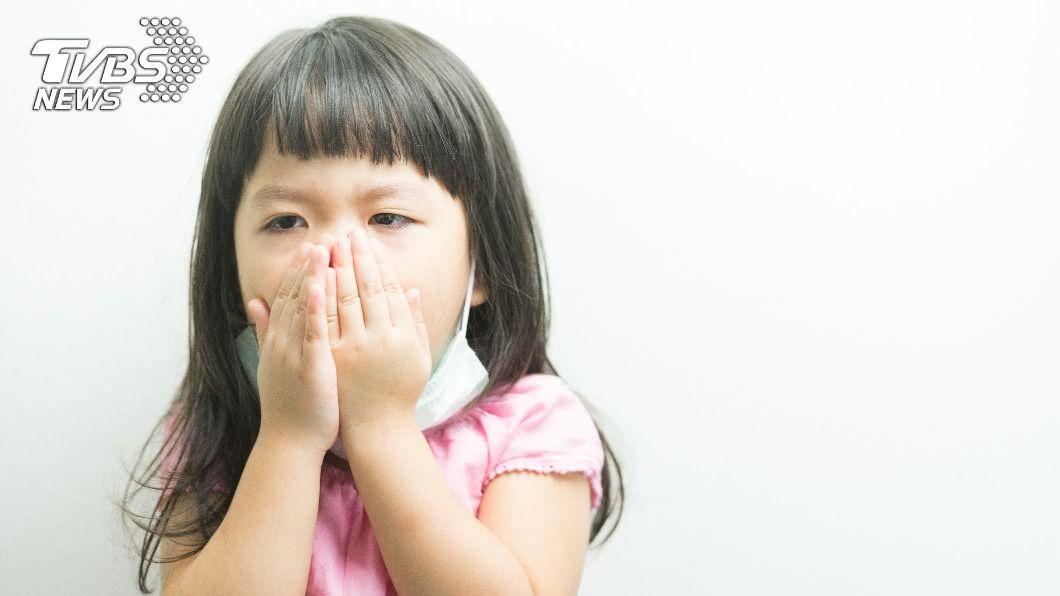 5歲以下傳染量比成人多10至百倍。(示意圖/shutterstock 達志影像) 新型冠狀病毒傳染量 研究:幼童比成人多10至百倍