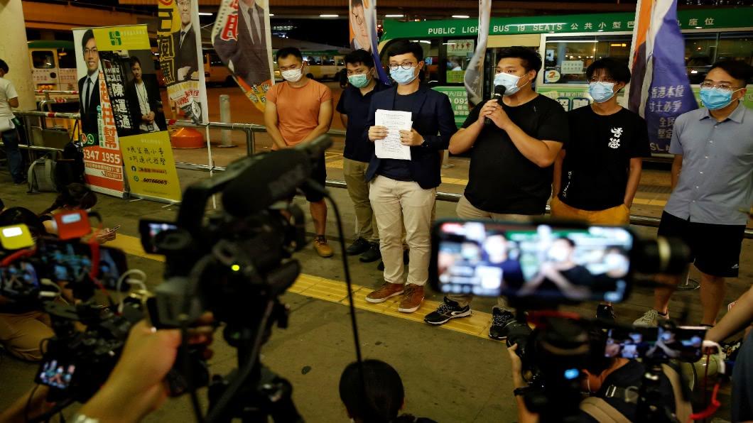 圖/達志影像路透 港立會議員選舉登記 黃之鋒等12人遭撤銷資格