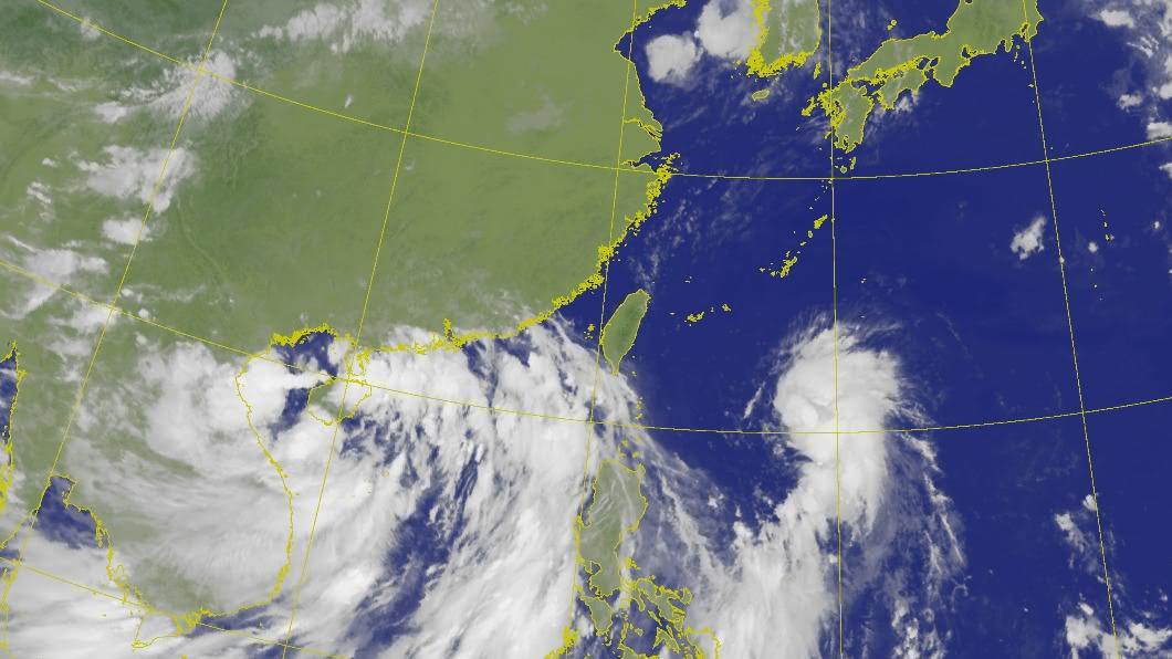 花東及恆春半島受南方海面低壓帶外圍水氣,嚴防短暫陣雨。(圖/中央氣象局) 午後降雨範圍擴大 東部、南部地區注意短暫陣雨