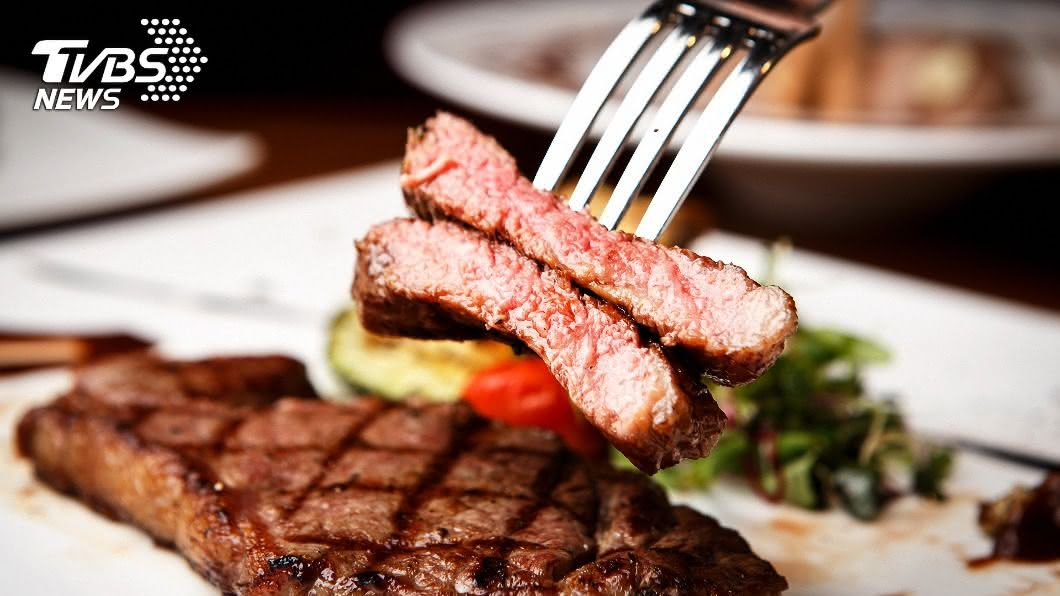 牛排是很多人喜愛的美食之一。(示意圖/shutterstock 達志影像) 奇葩!吃貨賊為牛排闖空門 「熱心」洗碗:怕被發現