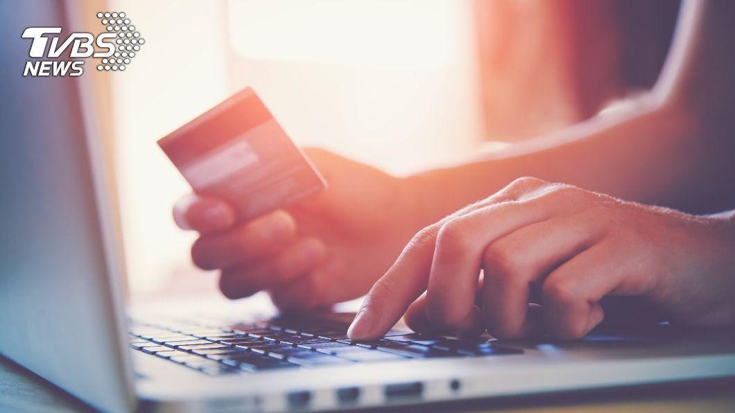 盜刷事件層出不窮,警方呼籲網路刷卡應提高警覺。(示意圖/shutterstock達志影像) 盜刷信用卡集團網購商品低價售出 電商財損百萬