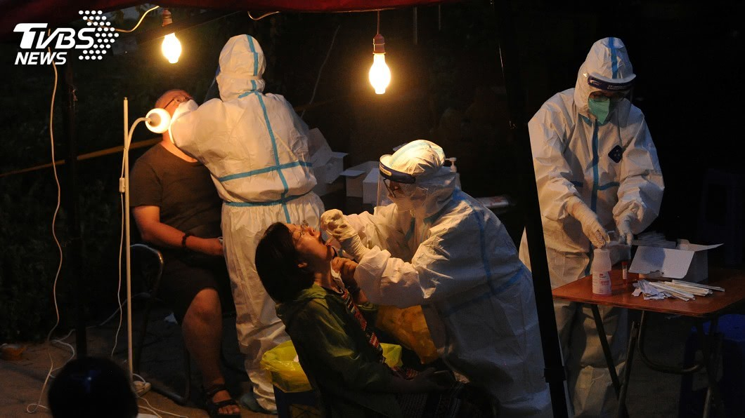 中國新增43例2019冠狀病毒疾病確診病例。(圖/達志影像路透社) 中國新增43例確診 本土病例36起集中在新疆、遼寧