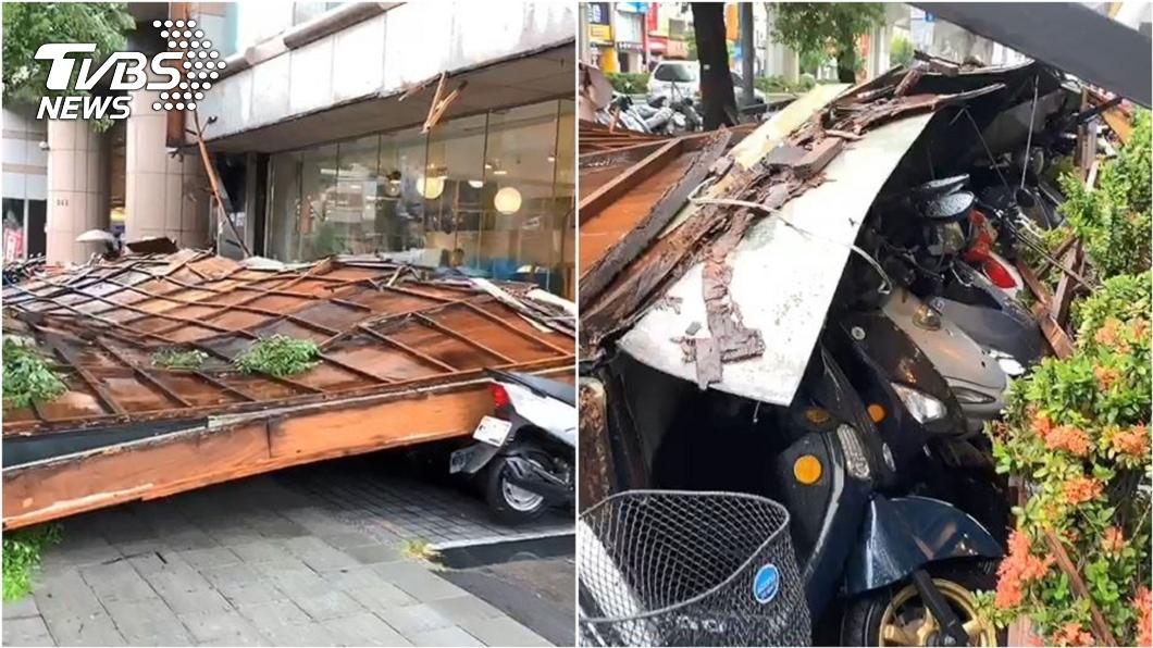 (圖/TVBS) 哈格比狂風暴雨! 台中巨大看板掉落砸爛22台機車