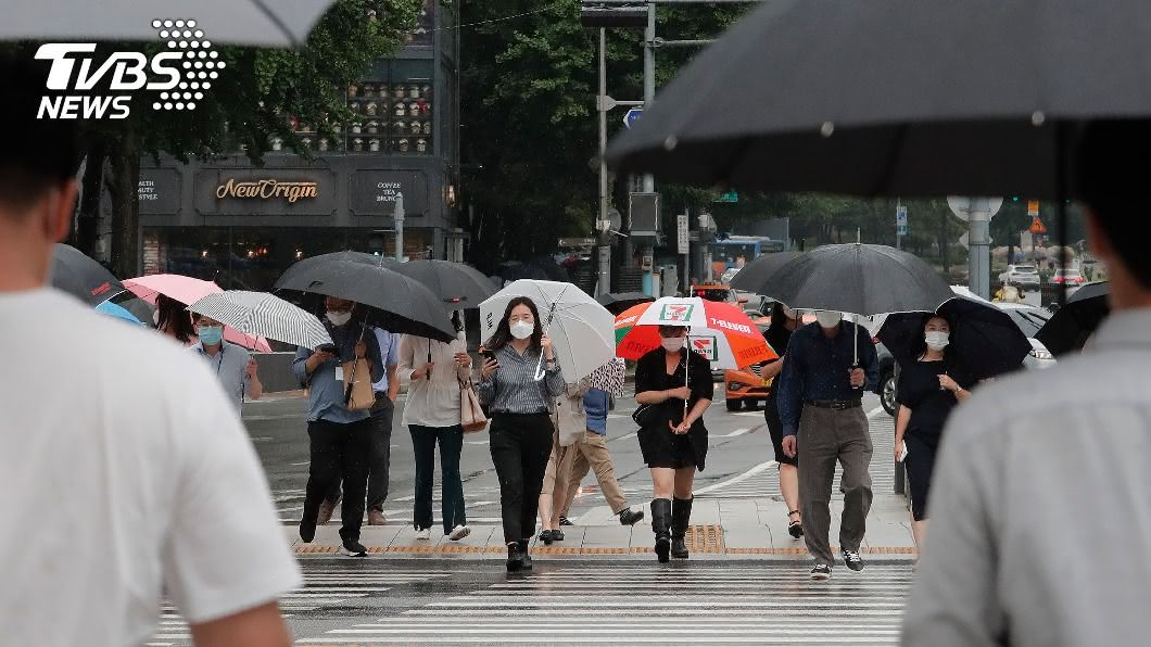 韓國確診感染2019冠狀病毒疾病新增34例。(圖/達志影像美聯社) 韓國武漢肺炎新增34例 社區感染確診數回升