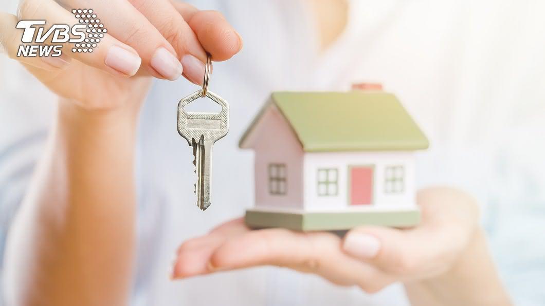 買房可說是人生大事。(示意圖/shutterstock達志影像) 幾歲買房合理?網爆「首購年齡」幾乎2X歲 回應超兩極