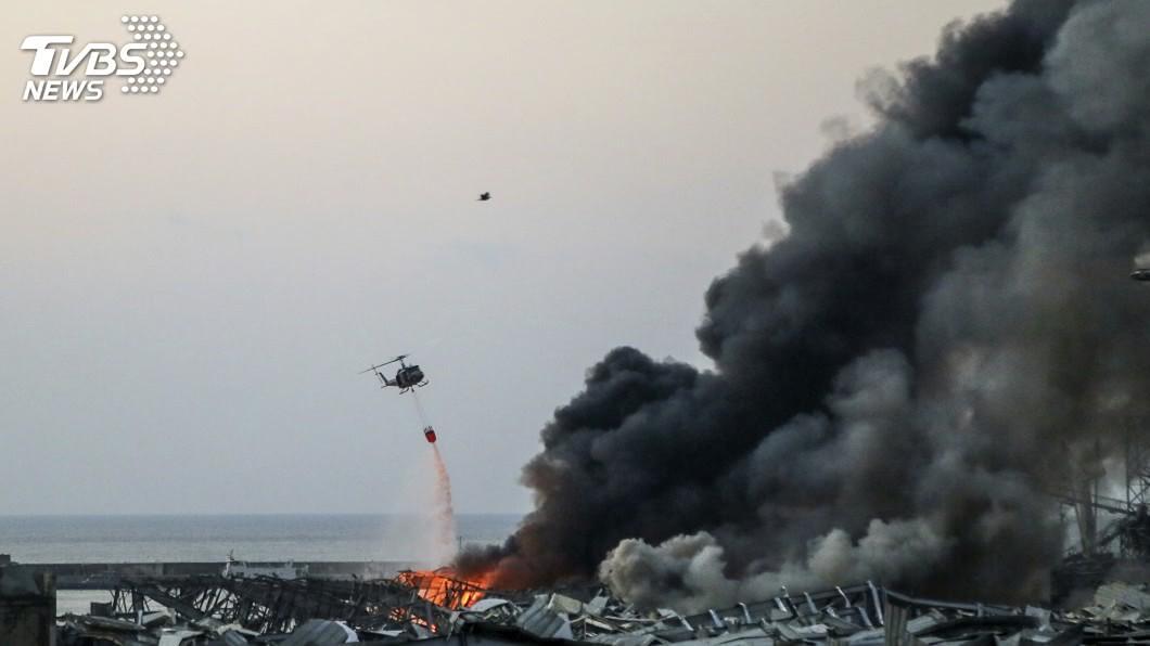 黎巴嫩首都貝魯特市中心附近港區今天發生大爆炸。(圖/達志影像美聯社) 黎巴嫩貝魯特大爆炸 川普:似是某種炸彈攻擊
